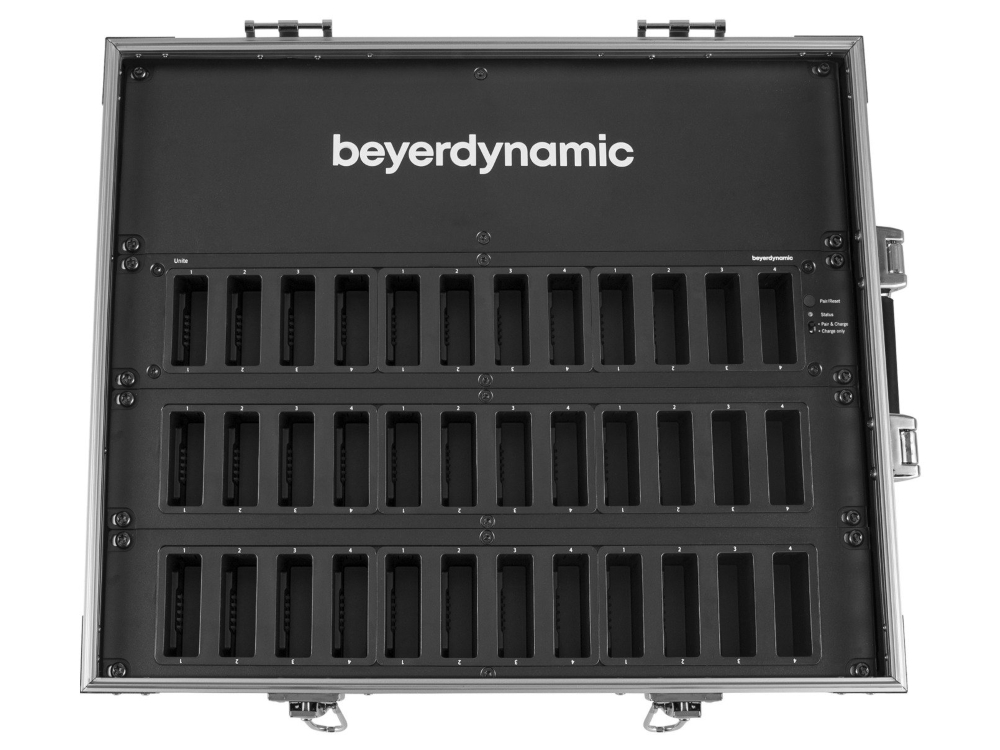 beyerdynamic-unite-cc-36p-cockpit-charching-carrying-case-2.jpg