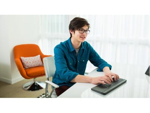 microsoft_all-in-one_media_keyboard_4.jpg