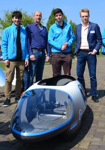 KommaGo bij perspresentatie Ecorunner team Delft